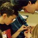 Atelier sur l'entomologie au laboratoire de biologie du Collège universitaire de Saint-Boniface et animé par Jean-Vianney Auclair – le 2 novembre 1991