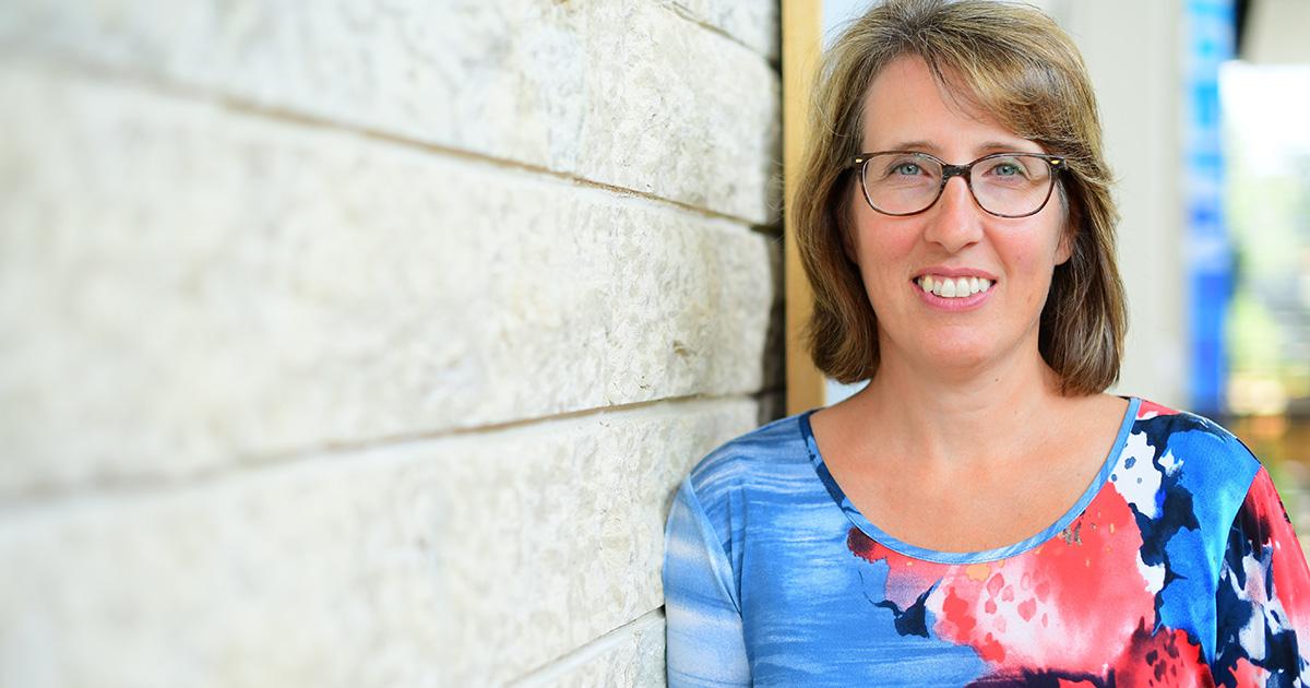 Danielle de Moissac, researcher and professor at USB.