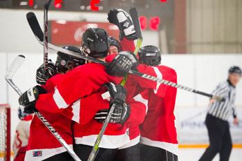 Les Rouges, vites sur leurs patins