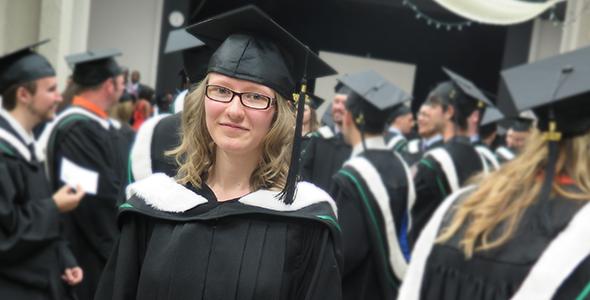 Emma Gehrs-Whyte, récipiendaire de la Médaille d'or de l'Université