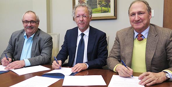 Université de Moncton, Université de Saint-Boniface et Société franco-manitobaine signent une entente