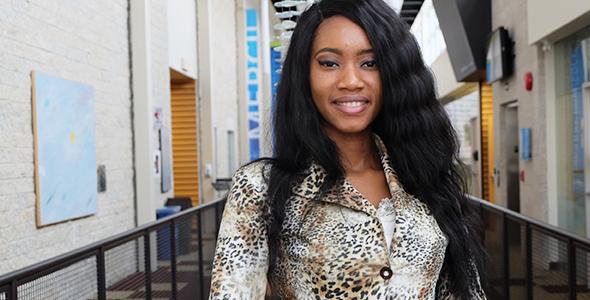 Souadou Barry - Première Dauphine au concours Miss Guinée 2016