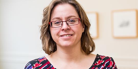 Aileen Clark, directrice de la Division de l'éducation permanente