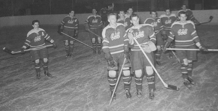 Équipe de hockey du Collège de Saint-Boniface en mars 1961