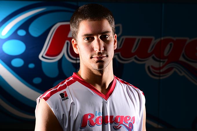 Nicolas Marcon-Lajeunesse, étudiant et joueur de volleyball à l'USB